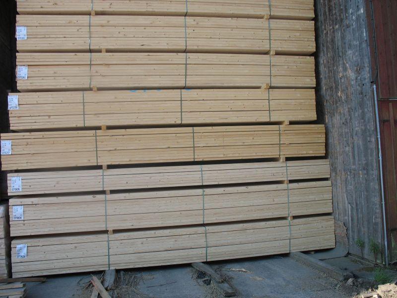 drewno konstrukcyjne ze świerku skandynawskiego