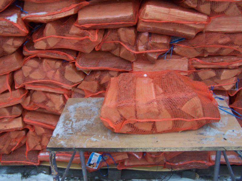 Technisch getrocknet Brennholz und 25% Luftfeuchtigkeit