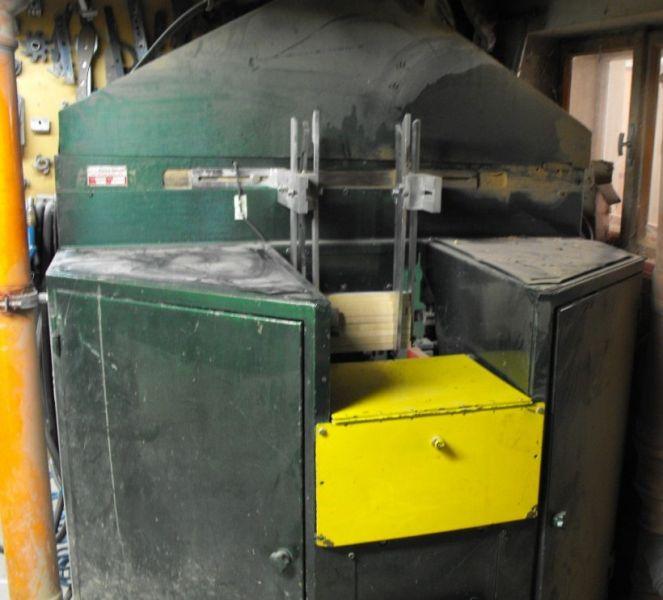 Frezarka, frezarko-kopiarka wydajny automat. Film z pracy maszyny.