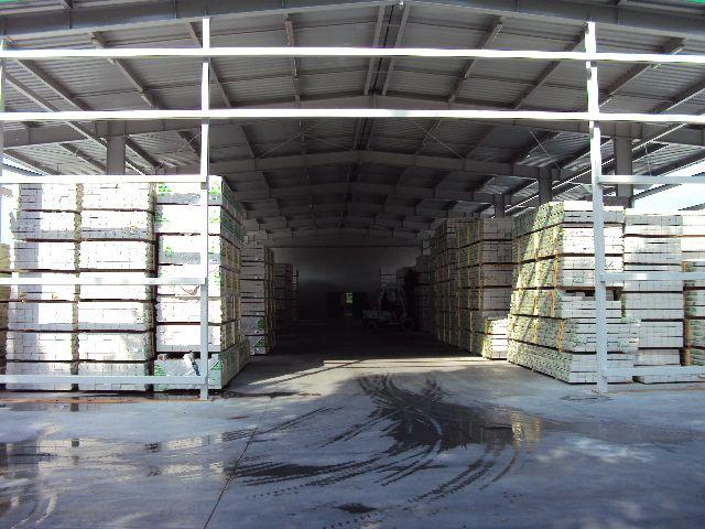 Drewno konstrukcyjne suszone, strugane ,lite, klejone duże ilości , powtarzalna jakość gwarantowana.