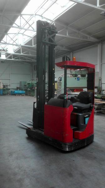 Wózek widłowy wysokiego składowania Toyota-9000netto