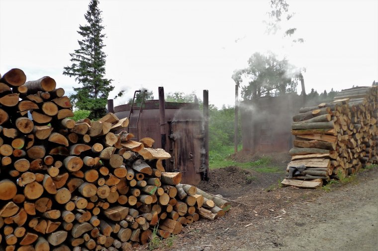 Z bieszczadzkiego krajobrazu znikają wypalarnie węgla drzewnego