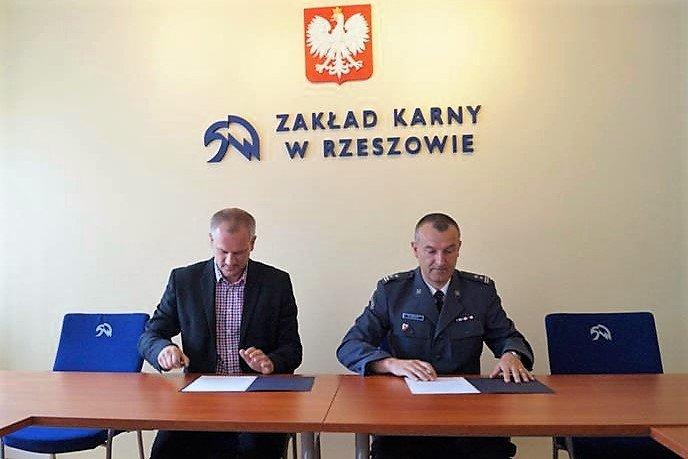 Woodcraft podpisał umowę z Zakładem Karnym w Rzeszowie-Załężu