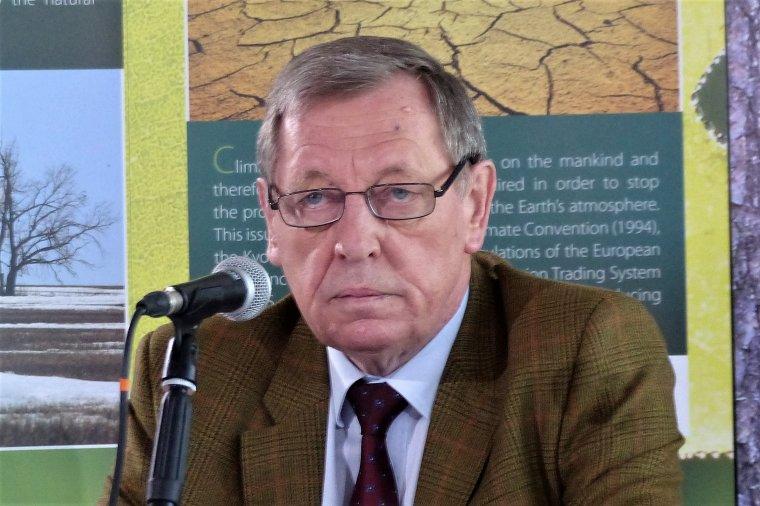 Minister Środowiska Jan Szyszko pozostaje na stanowisku