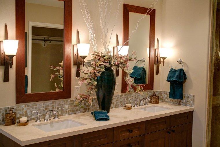 3 sposoby na przemycenie drewna do łazienkowej aranżacji