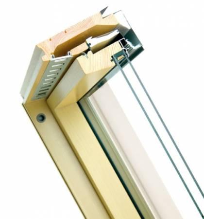 Przekrój przez okno dachowe Fakro FTP-W