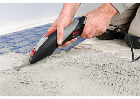 Nowy skrobak elektryczny linii Skil Masters, model 7720, pozwala oszczędzić czas i siły przy wykonywaniu prac związanych z oczyszczaniem oraz wygładzaniem powierzchni
