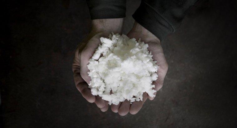 Wodorotlenek sodu wykorzystywany jest m.in. w procesie bielenia celulozy