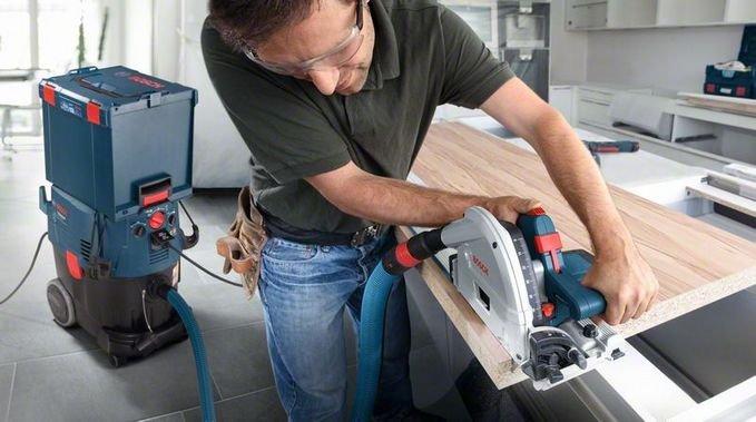 System Click & Clean pozwala podłączyć narzędzia, a zaczepy zamocować walizki L-BOXX