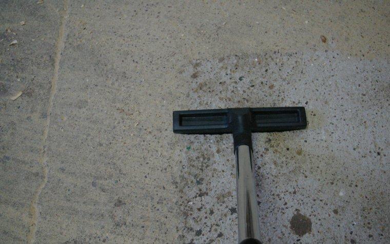 Nawet jednorazowe przeciągnięcie ssawką skutecznie oczyszcza podłoże