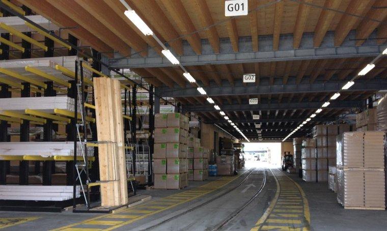 systemy regałowe i magazynowe między innymi dla handlu w branży budowlanej, metalowej oraz drzewnej