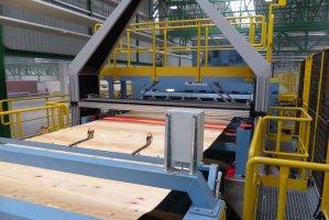 Skaner określa jakość forniru w celu optymalizacji rozkroju wstęgi na arkusze