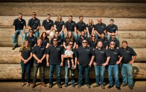 """Zespół """"Colorado Timberframe"""" odpowiedzialny za dostarczanie elementów konstrukcyjnych Arki"""