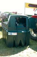 Zbiorniki do przechowywania oleju napędowego można wyposażyć w dystrybutor. Podnosi to koszty, ale znacznie ułatwia tankowanie
