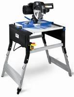 Konstrukcję Piły tarczowej FZB-205/2000 stanowi podstawa stalowa, aluminiowy stół oraz zespół napędowy oparty na silniku komutatorowym
