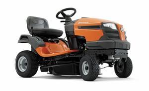 Traktor LT126