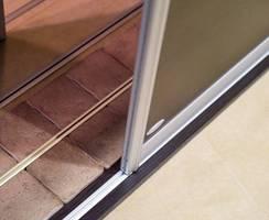 Linia produktów MASTER do budowy ścian/drzwi przesuwnych do wysokości 3,5 m z torami Hide do każdego podłoża