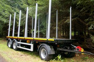 Przyczepa do transportu drewna okrągłego