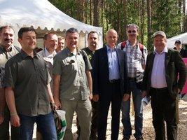 Wiceminister Janusz Zaleski gościem targów leśnych Elmia Wood 2013 w Szwecji