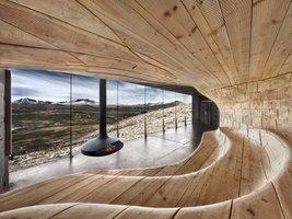 Futurystyczny projekt wnętrza wykonanego z drewna.