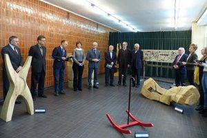 Wernisaż wystawy na  Wydziale Technologii Drewna