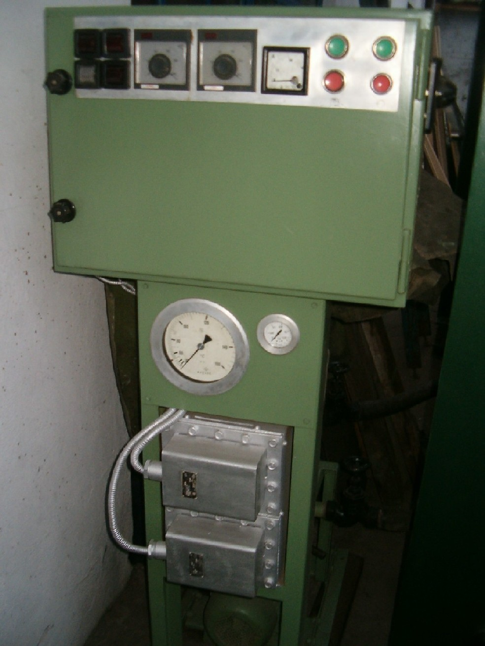 Elektryczny agregat grzewczy do prasy.