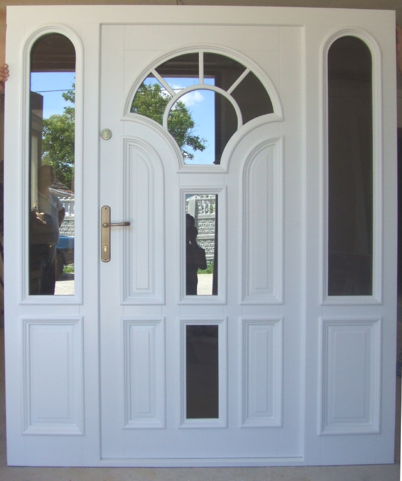 Solidne drzwi drewniane na zamówienie.