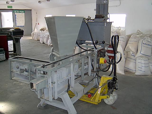 Brykieciarkę hydrauliczną sprzedam lub