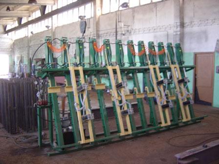 Prasy hydrauliczne do klejenia drewna (producent).