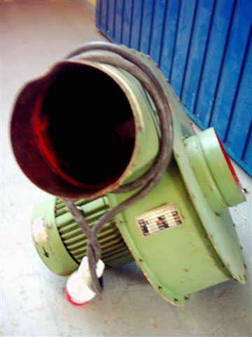 Wentylator odciągowy z silnikiem elektrycznym