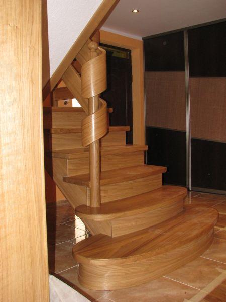 Schody drewniane-samonośne i na beton