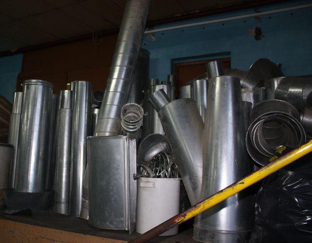Elementy instalcji odciagowej (rury, kolanka, worki)