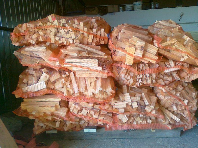 Drewno rozpałkowe sosnowe suche (10-12% wilg.)